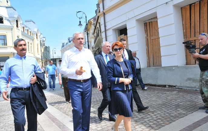 Liviu Dragnea și Mihai Tudose infirmă zvonurile despre demisia Olguței Vasilescu: Unii aud voci. Au nevoie de un consult
