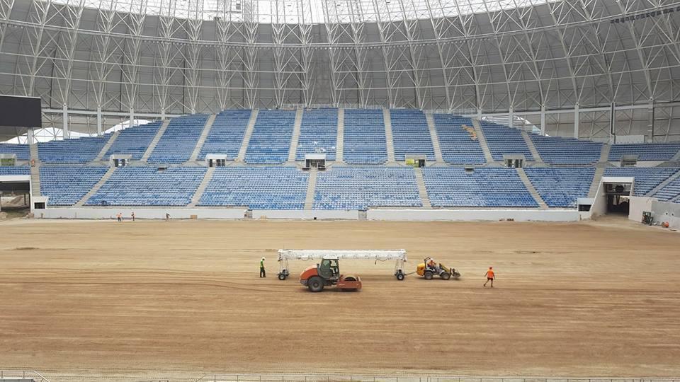 """CNI, vizită de lucru la stadionul """"Ion Oblemenco"""". Începe montarea gazonului, se lucrează la omologarea arenei și la organizarea recepției lucrărilor"""